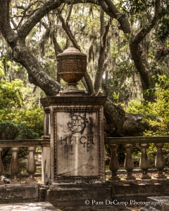 Urn monument at Bonaventure